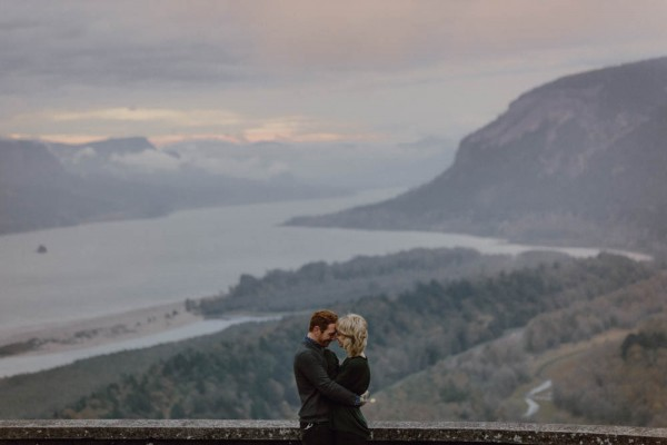 Adventurous-Oregon-Engagement-Vista-House-Catalina-Jean-Photography (18 of 28)