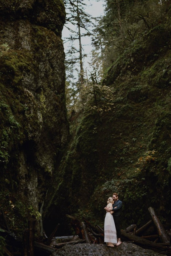 Adventurous-Oregon-Engagement-Vista-House-Catalina-Jean-Photography (2 of 28)