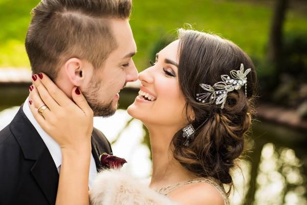 Berry-Wine-Wedding-Inspiration-Dina-Chmut (10 of 38)