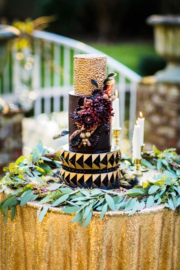 Berry-Wine-Wedding-Inspiration-Dina-Chmut (14 of 38)