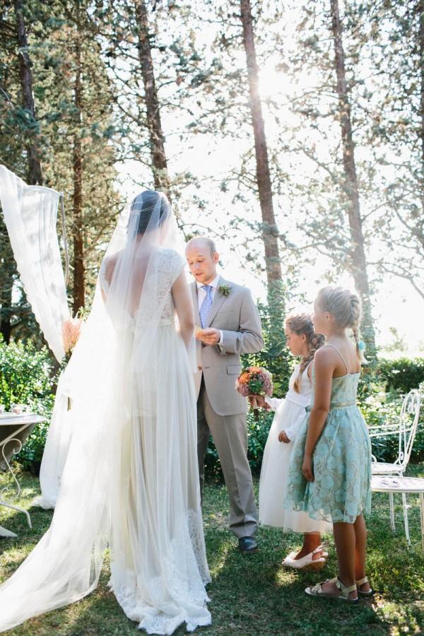 Intimate-Tuscan-Wedding-Villa-le-Mura-Julian-Kanz (20 of 35)
