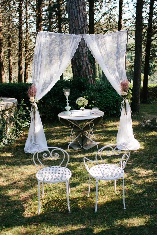 Intimate-Tuscan-Wedding-Villa-le-Mura-Julian-Kanz (8 of 35)