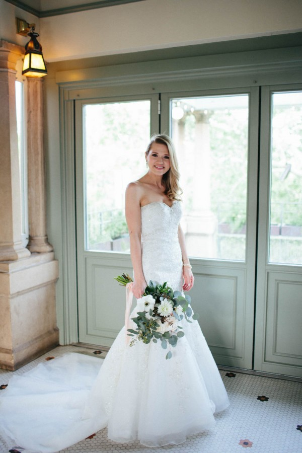 Metallic-Neutral-Wedding-Guenther-House-Paige-Newton (2 of 33)