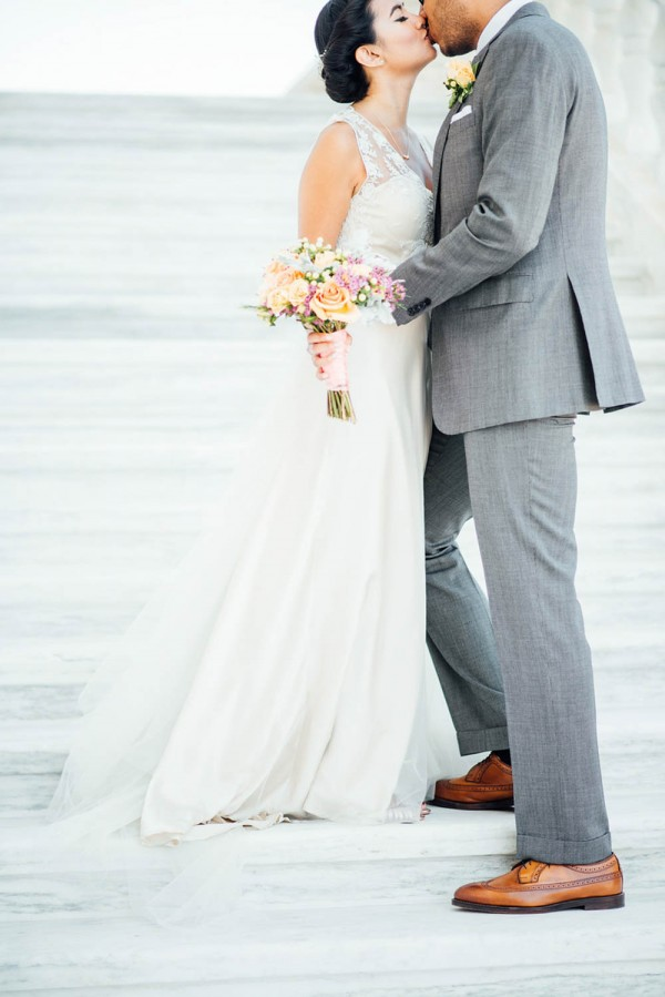 Romantic-Wedding-at-the-Museum-of-Contemporary-Art-Detroit (12 of 31)