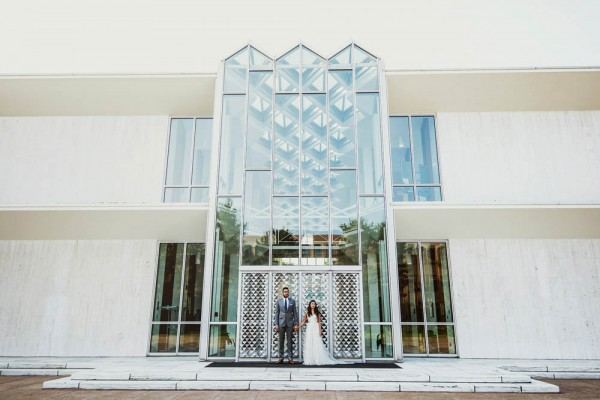 Romantic-Wedding-at-the-Museum-of-Contemporary-Art-Detroit (27 of 31)