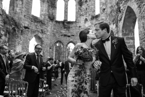 Unorthodox-Paris-Wedding-at-Château-du-Vivier-in-Paris (15 of 36)