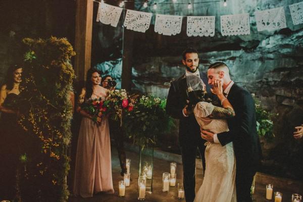 Vintage-Alternative-Wedding-Art-Factory-Carolina-Rivera (30 of 36)