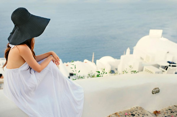 Breathtaking-Santorini-Engagement-Les-Anagnou-Photographers (14 of 18)