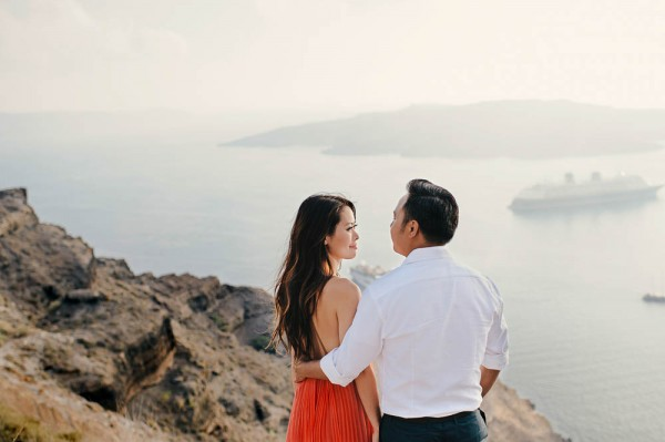 Breathtaking-Santorini-Engagement-Les-Anagnou-Photographers (2 of 18)