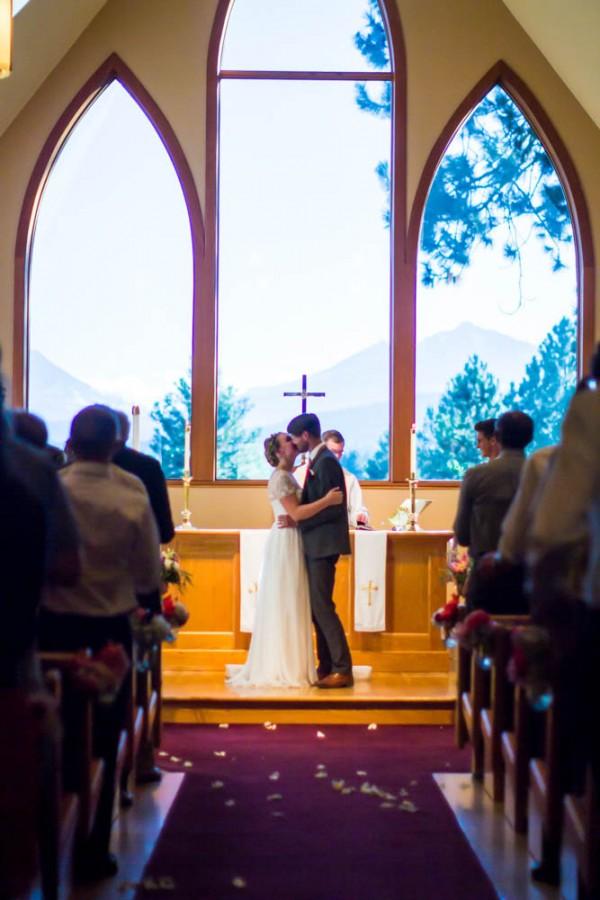 Colorful-Backyard-Wedding-in-Oregon (23 of 33)