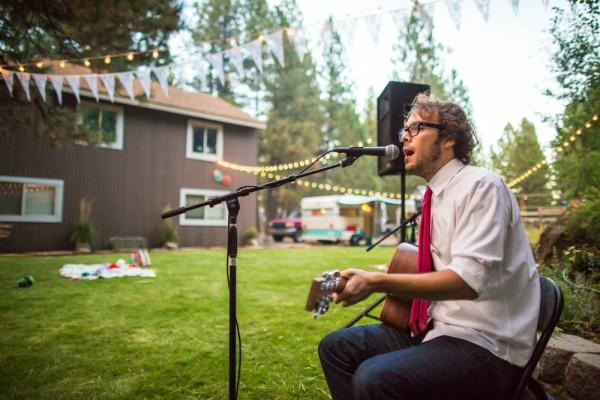 Colorful-Backyard-Wedding-in-Oregon (30 of 33)