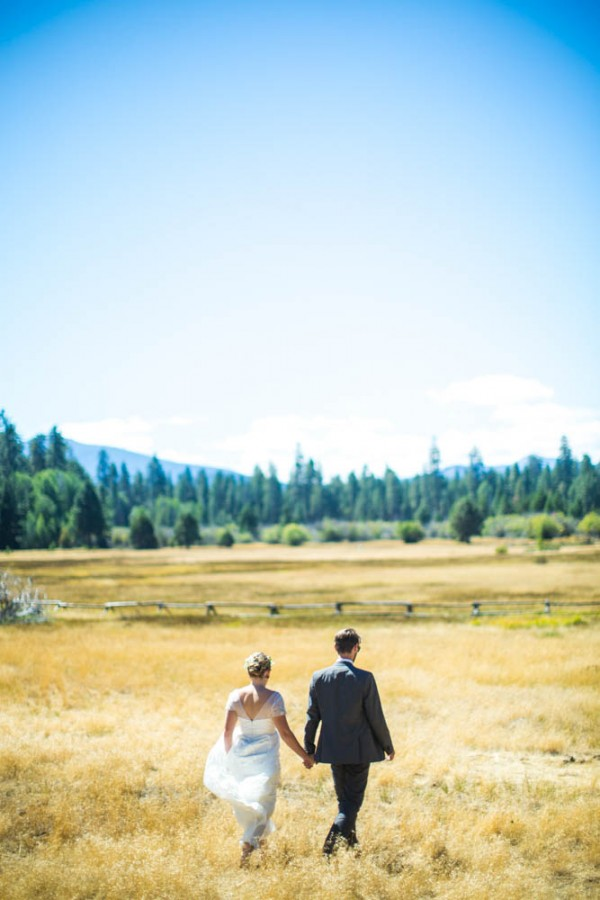 Colorful-Backyard-Wedding-in-Oregon (8 of 33)