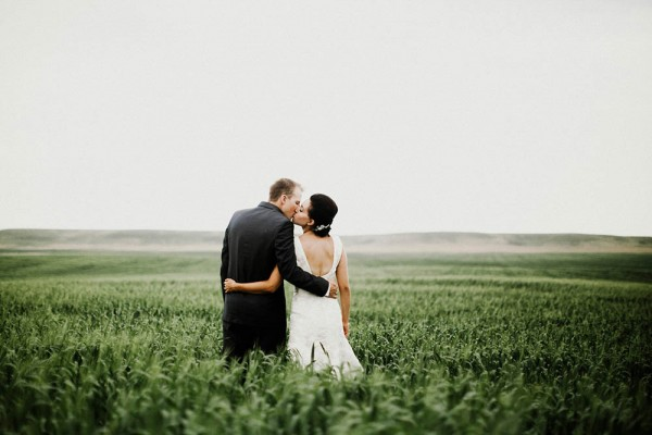Lace-and-Burlap-Wedding-in-North-Dakota (14 of 33)
