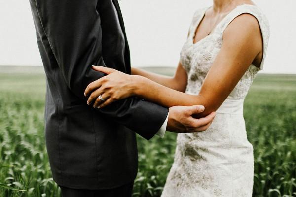 Lace-and-Burlap-Wedding-in-North-Dakota (15 of 33)