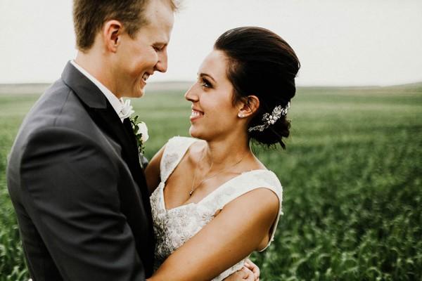 Lace-and-Burlap-Wedding-in-North-Dakota (16 of 33)