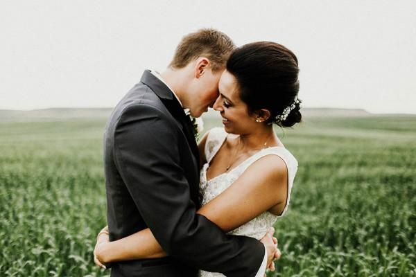 Lace-and-Burlap-Wedding-in-North-Dakota (17 of 33)