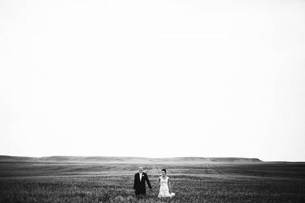 Lace-and-Burlap-Wedding-in-North-Dakota (19 of 33)