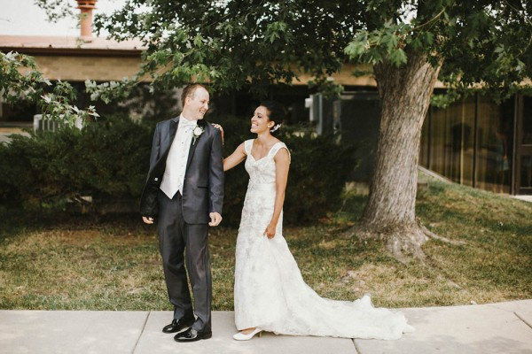 Lace-and-Burlap-Wedding-in-North-Dakota (2 of 33)