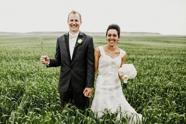Lace-and-Burlap-Wedding-in-North-Dakota (20 of 33)