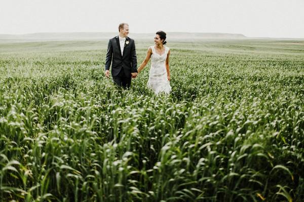 Lace-and-Burlap-Wedding-in-North-Dakota (23 of 33)