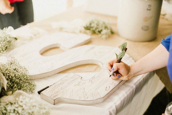 Lace and Burlap Wedding in North Dakota | Junebug Weddings