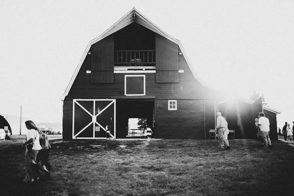 Lace-and-Burlap-Wedding-in-North-Dakota (31 of 33)
