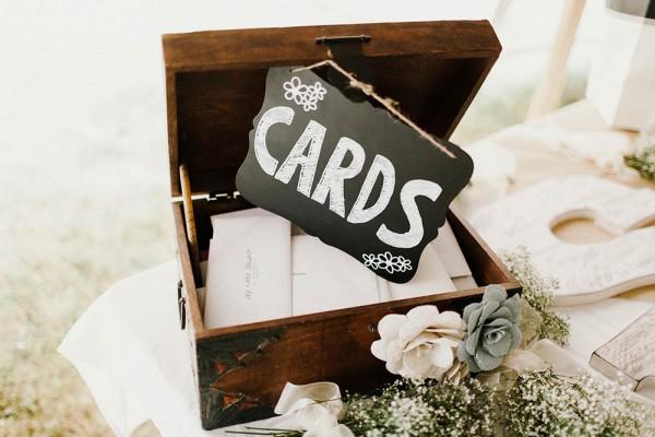 Lace-and-Burlap-Wedding-in-North-Dakota (32 of 33)