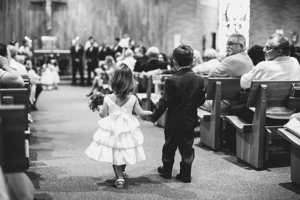 Lace-and-Burlap-Wedding-in-North-Dakota (5 of 33)