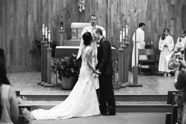 Lace-and-Burlap-Wedding-in-North-Dakota (7 of 33)