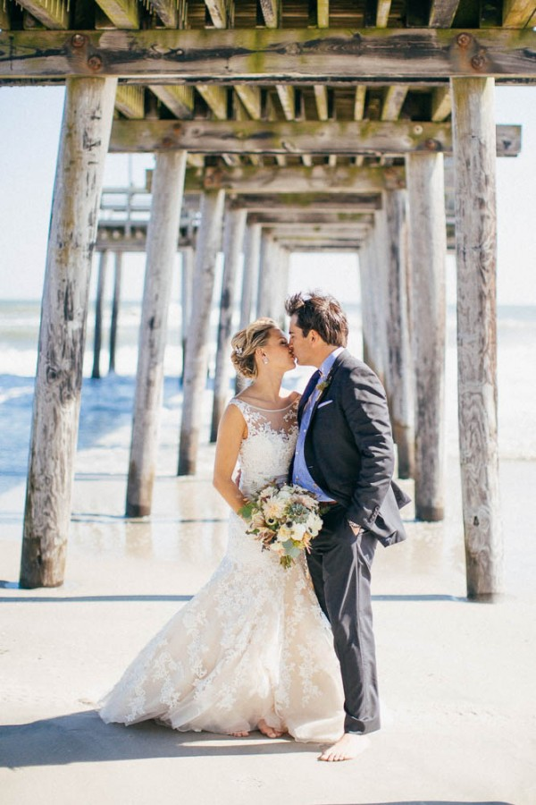 Relaxed-Oceanfront-Wedding-at-the-Windrift-Resort-Hotel (10 of 28)