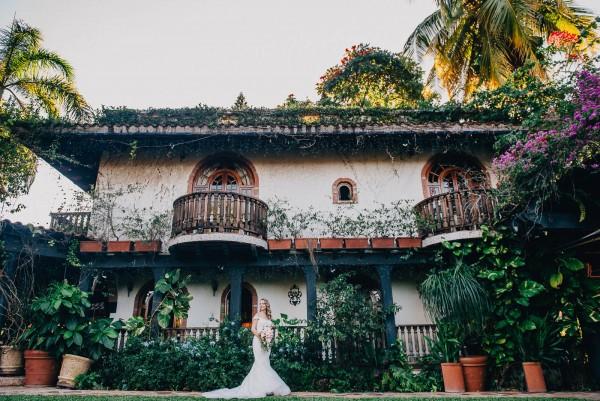 Romantic-Puerto-Rican-Wedding-Hacienda-Siesta-Alegre-Evan-Rich (16 of 47)