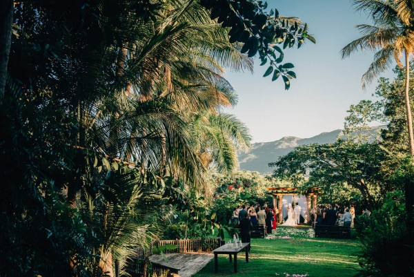 Romantic-Puerto-Rican-Wedding-Hacienda-Siesta-Alegre-Evan-Rich (29 of 47)