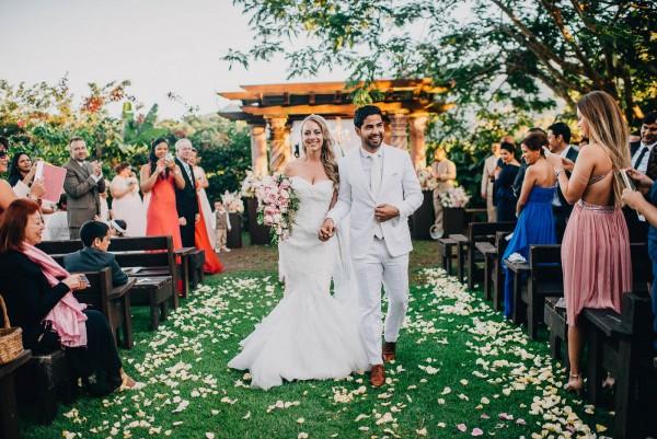 Romantic-Puerto-Rican-Wedding-Hacienda-Siesta-Alegre-Evan-Rich (30 of 47)