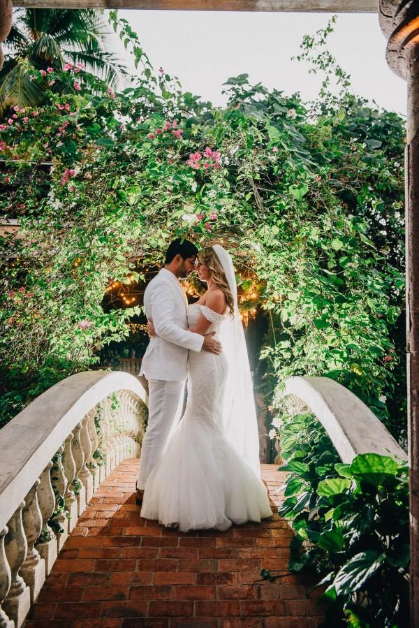 Romantic-Puerto-Rican-Wedding-Hacienda-Siesta-Alegre-Evan-Rich (31 of 47)