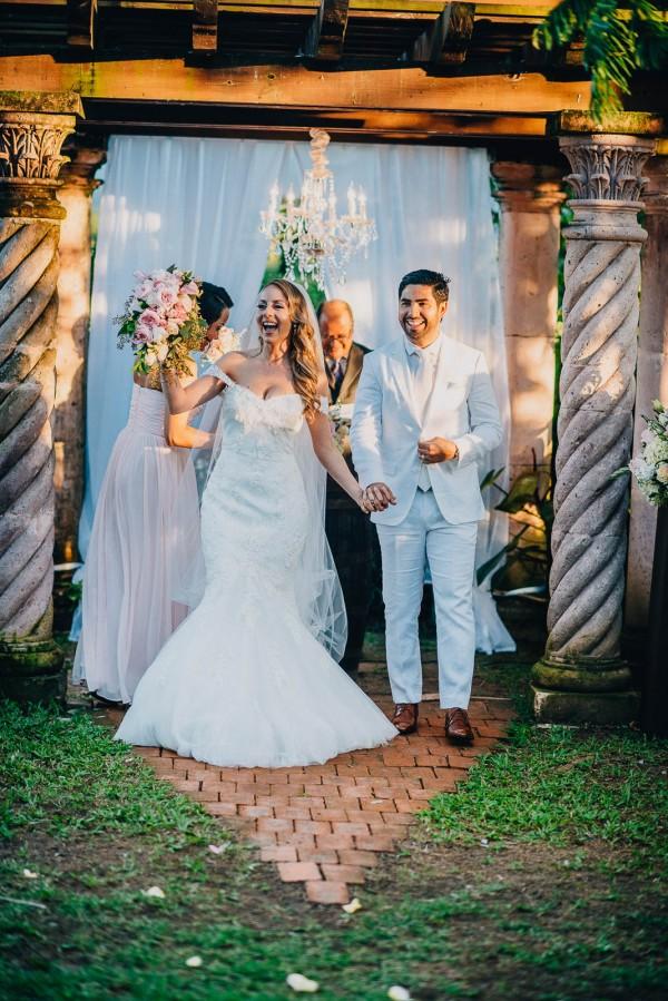 Romantic-Puerto-Rican-Wedding-Hacienda-Siesta-Alegre-Evan-Rich (40 of 47)