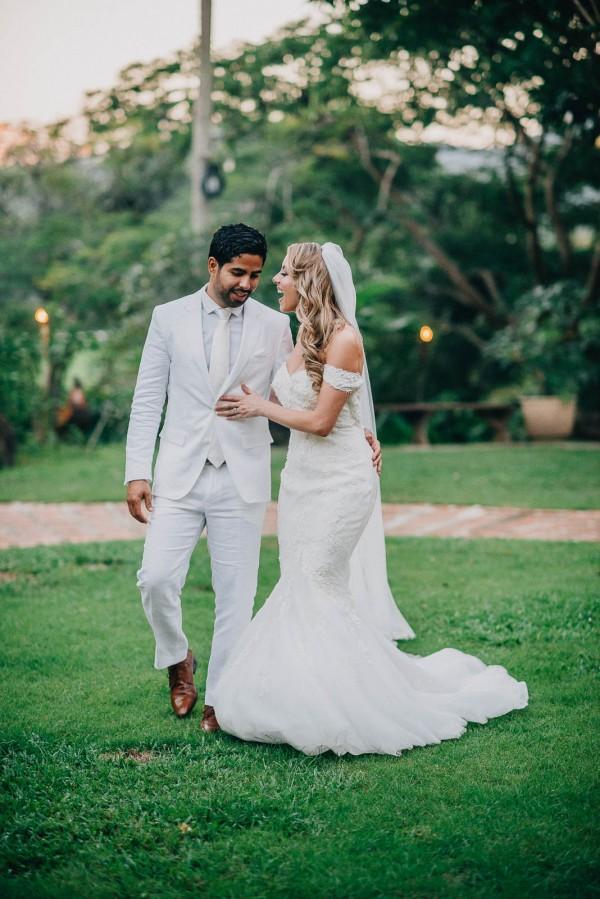 Romantic-Puerto-Rican-Wedding-Hacienda-Siesta-Alegre-Evan-Rich (42 of 47)