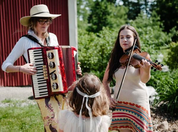 Summer-Solstice-Wedding-at-Scott's-Barn (13 of 24)