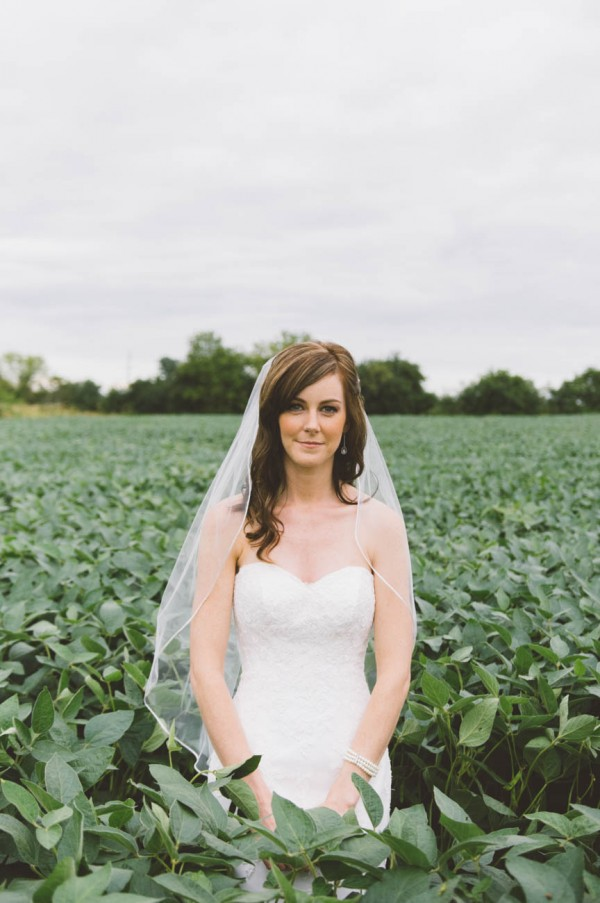 Sweet-Rustic-Wedding-Fields-West-Lake-Nikki-Mills (16 of 32)