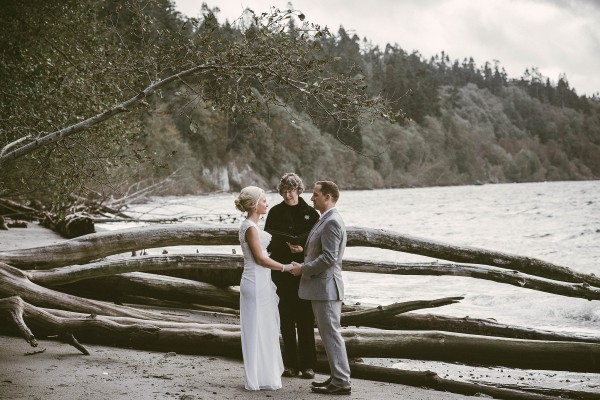 Waterfront-Wedding-at-South-Whidbey-State-Park (12 of 28)