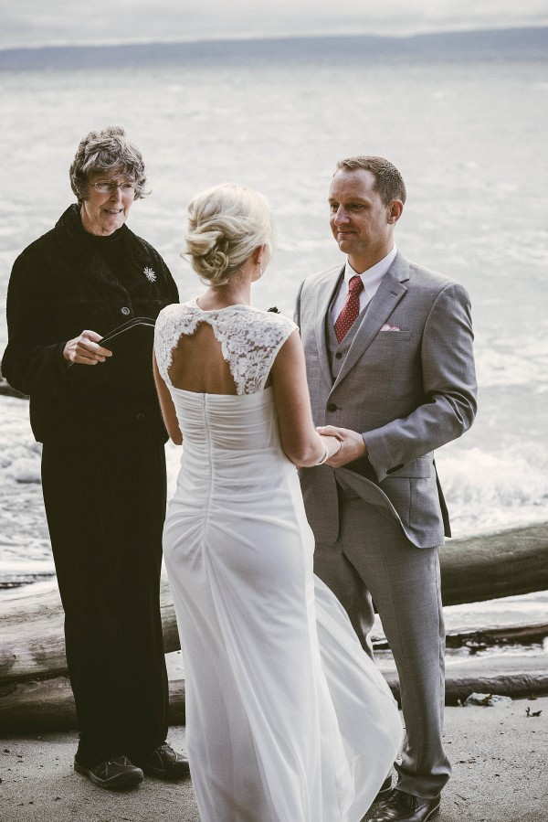 Waterfront-Wedding-at-South-Whidbey-State-Park (13 of 28)