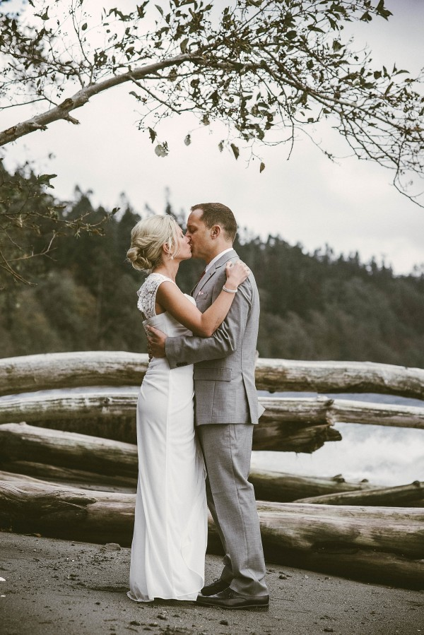 Waterfront-Wedding-at-South-Whidbey-State-Park (15 of 28)