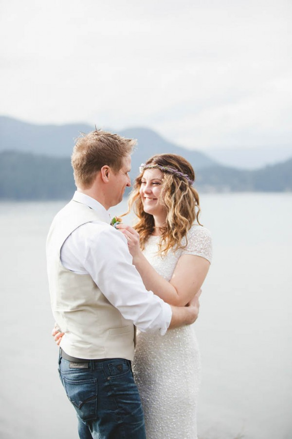 Enchanting-Elopement-at-Whytecliff-Park (12 of 29)