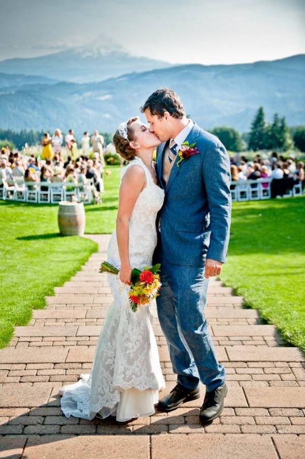 Farm-Inspired-Wedding-Gorge-Crest-Vineyards-MoscaStudio (10 of 25)