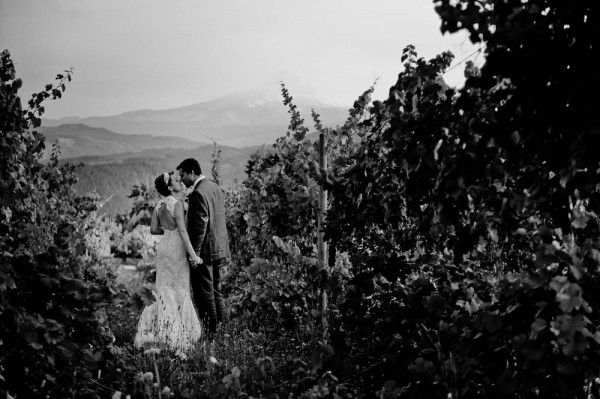 Farm-Inspired-Wedding-Gorge-Crest-Vineyards-MoscaStudio (16 of 25)