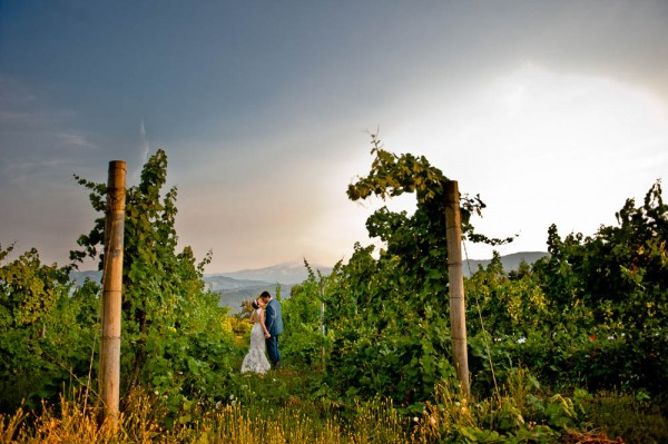 Farm-Inspired-Wedding-Gorge-Crest-Vineyards-MoscaStudio (17 of 25)
