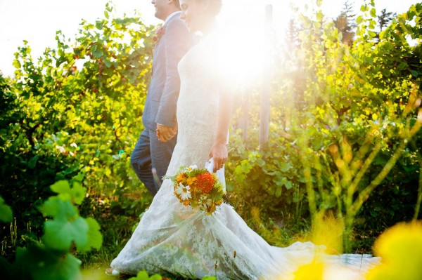 Farm-Inspired-Wedding-Gorge-Crest-Vineyards-MoscaStudio (18 of 25)