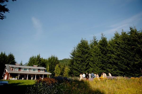 Farm-Inspired-Wedding-Gorge-Crest-Vineyards-MoscaStudio (6 of 25)