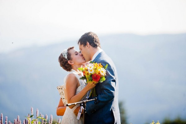 Farm-Inspired-Wedding-Gorge-Crest-Vineyards-MoscaStudio (8 of 25)