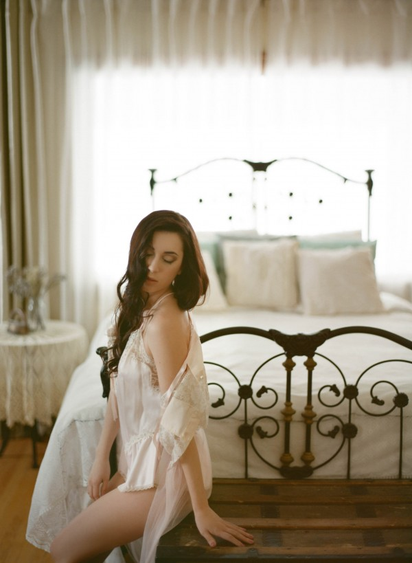 Pastel-Vintage-Boudoir-Session-Gabe-McClintock (19 of 21)