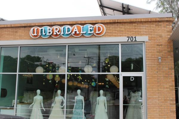 Unbridaled-Junebug-Weddings-From-Blogger-to-Bride-12